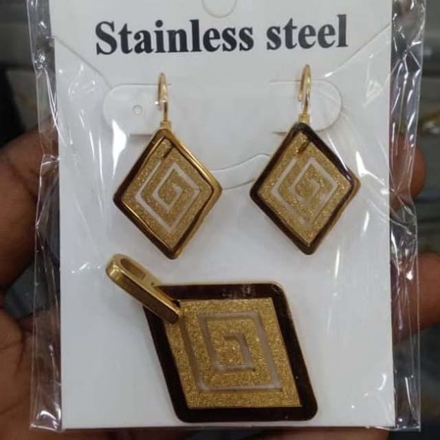 Sylil earring9