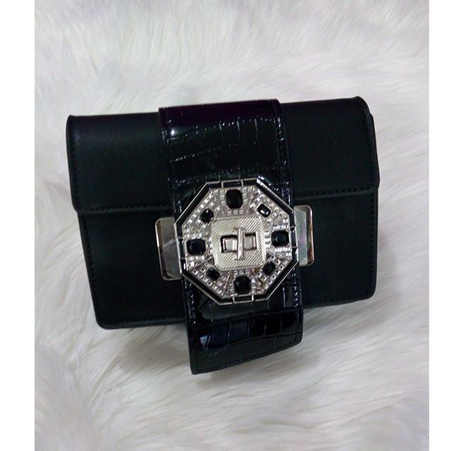 Portable handbag 3