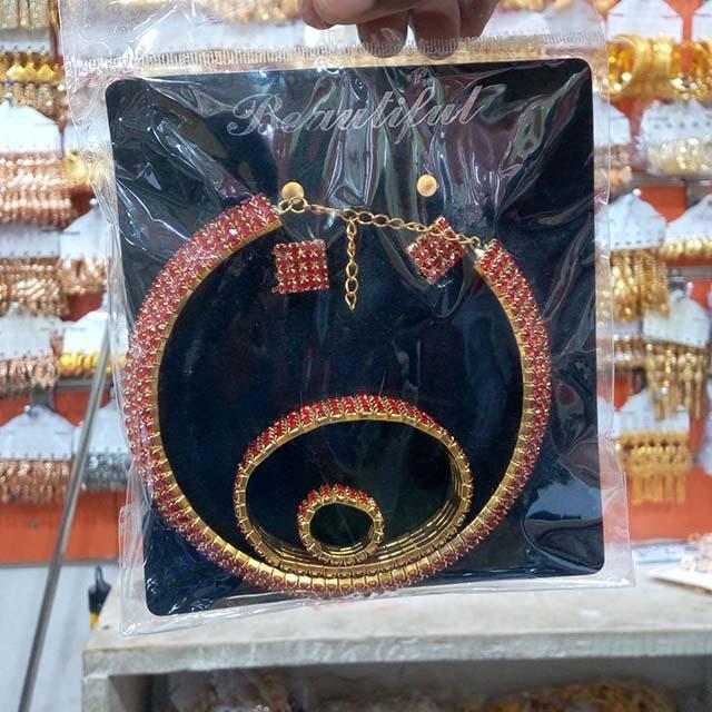 Beautiful necklace set - 12 Piece (Dozen)