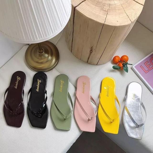 Beautiful simple ladies sandals