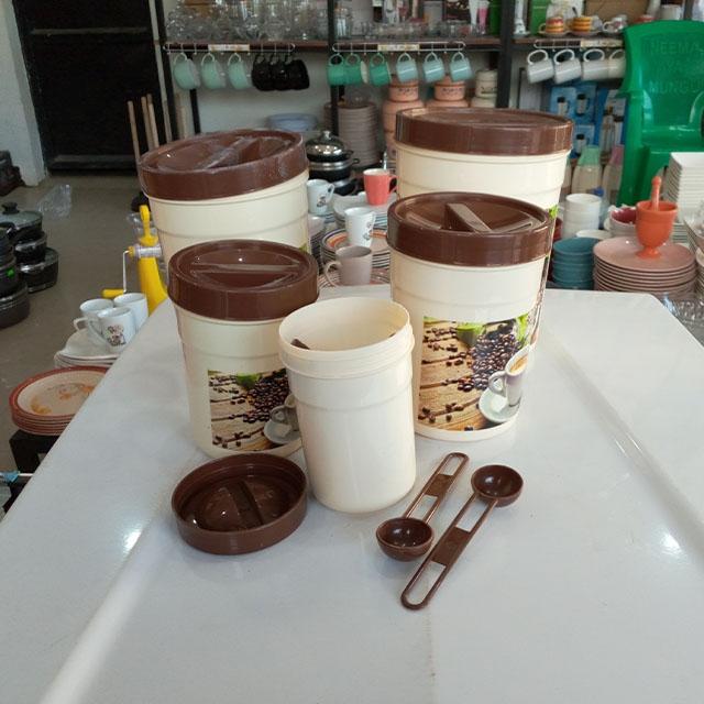 DeMo - Plastic 5 Jars set with spoons
