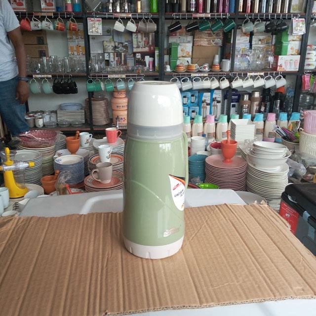 DeMo - Green Vaccum flask