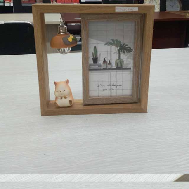 Wanlong -Wood  Doll Photo Frame